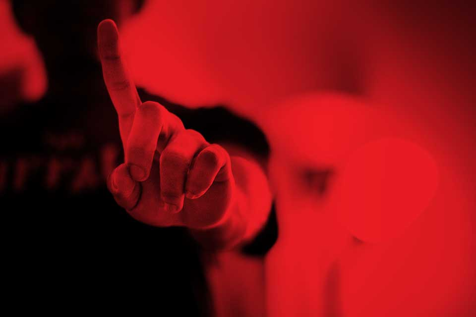 finger-924109_960_720-red.jpg