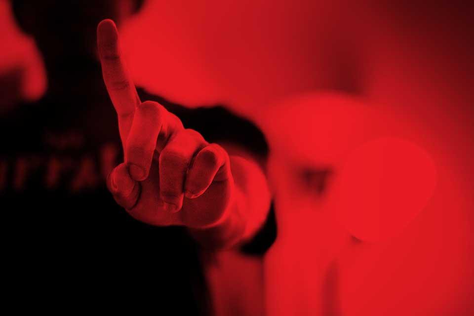 finger-924109_960_720-red.jpg